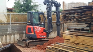 """מכונת קידוח קטנה לתמ""""א 38 לקידוח עד 16 מטר, גובה עבודה 2.90 מטר"""